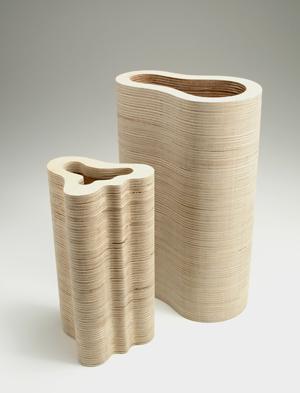 تشكيلة عصرية مميزة المزهريات ply_vases.jpg